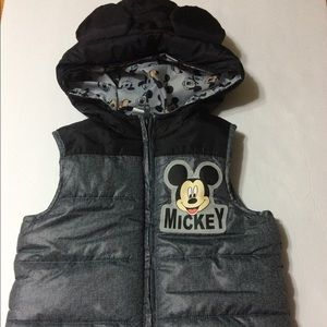 💯 DISNEY Toddler Puffy Black Grey Vest Super Fun